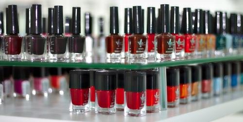 nail glazes-388384_1280_small.jpg